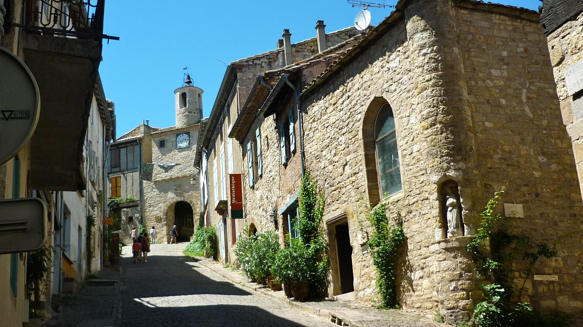 Cordes Sur Ciel Beautiful Bastide Albigeoise H 212 Tel